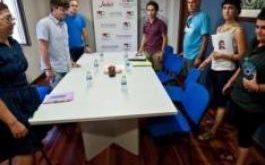 Foto de la reunión con la delegación de Herrira
