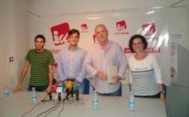 Jon Hernández, candidato por Gipuzkoa, Mikel Arana, candidato por Bizkaia y a lehendakari, Cayo Lara, coordinador general de IU, e Isabel Salud, Candidata por Álava