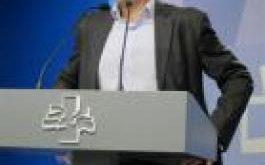 Mikel Arana en la sala de prensa del Parlamento Vasco